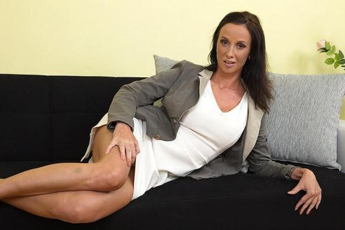 Mature.nl [Charis - Hot Milf Fingering Herself] FullHD, 1080p