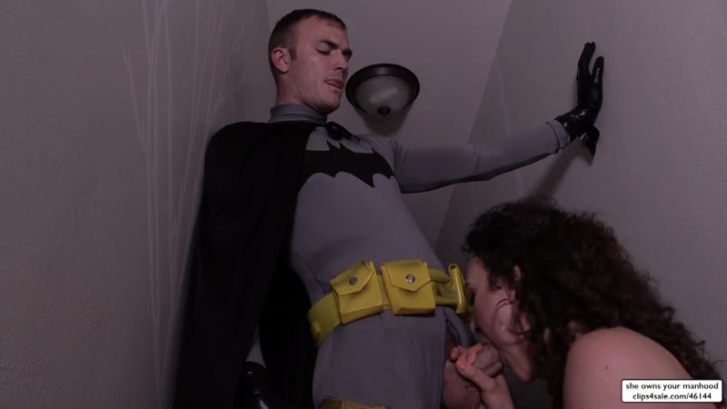 Sweetfemdom.com: Christian Wilde, Lilith Luxe - Demon Lilith Seduces Batman [HD] (395 MB)