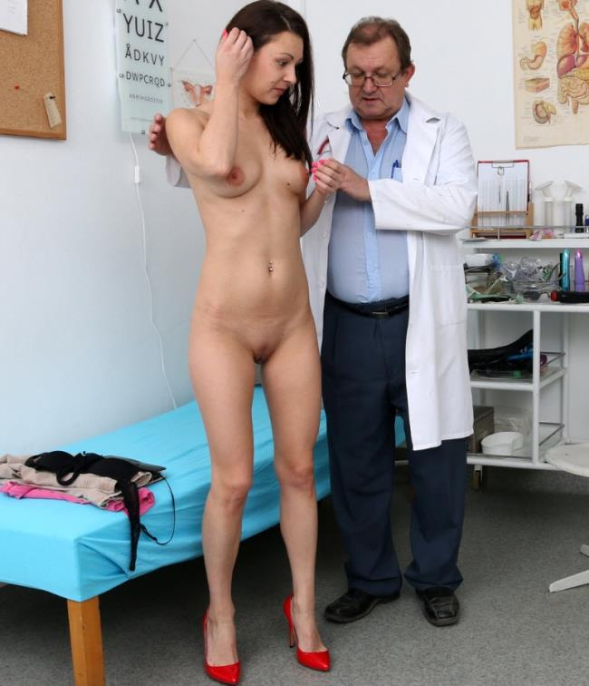 ExclusiveClub: Kara Rose - 25 years girls gyno exam (HD/2016)