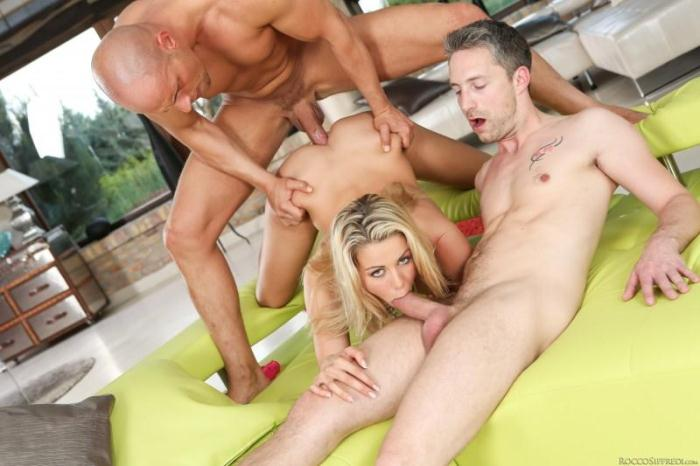 R0cc0S1ffr3d1.com - Julia Roca, Christen Courtney, Chris Diamond - Slutty Girls Love Rocco - Part 13 (Group sex) [SD, 400p]