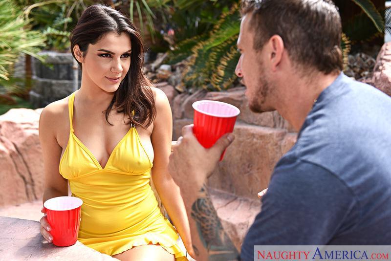 1H4v34W1f3.com: Valentina Nappi - Fucking brunette [SD] (237 MB)