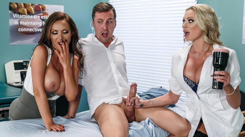 D0ct0r4dv3ntur3s.com: Briana Banks, Nikki Benz - Dick Stuck In Fleshlight [SD] (340 MB)