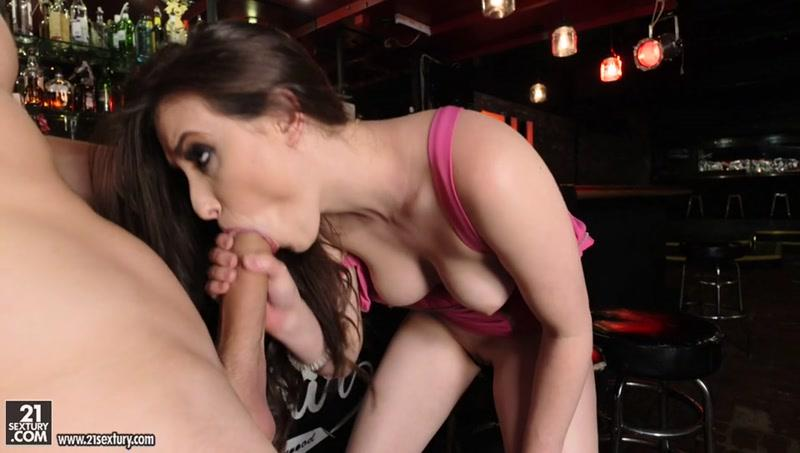 ClubS4ndy.com: Casey Calvert, Alex D - Casey Raises the Bar [SD] (339 MB)