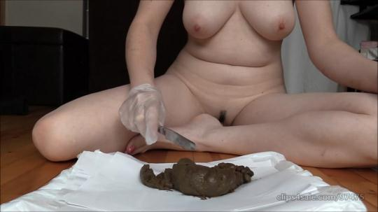 Scat Porn: Pooping And Cutting Poop in Half with Close-Ups (FullHD/1080p/588 MB) 29.11.2016