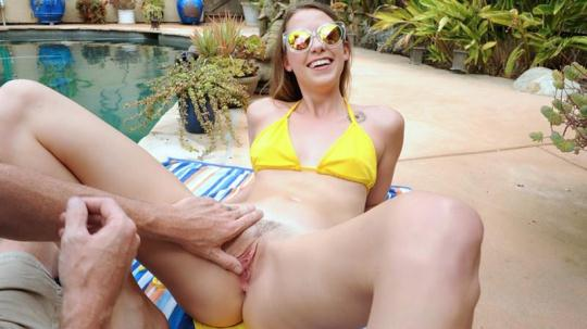 DadCrush: Zoey Laine (SD/540p/544 MB) 28.11.2016