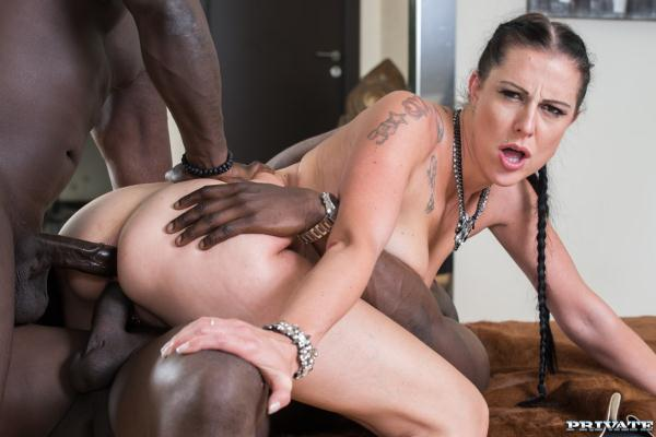 (Private.com) Texas Patti - Milf Texas Patti Has Her First Interracial Dp (FullHD/1080p/948 MB/2016)