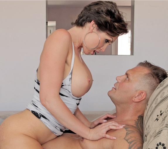 ReadyOrNotHereICum/CumLouder: Yasmin Scott - Yasmin Scott tames Nacho Vidal  [SD 404p]  (Big Tit)