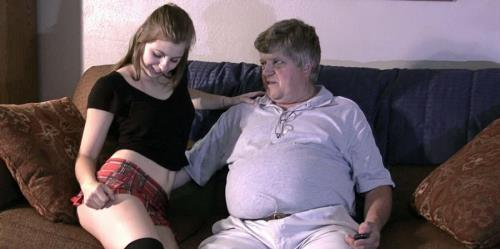 Naughty Niece - HiDef - Chelcee Clifton (SiteRip/Clips4sale/HD720p)