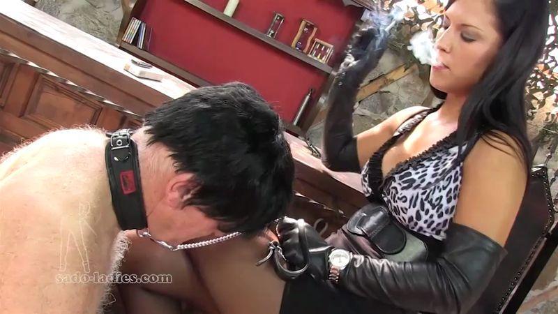 Sado-Ladies.com: Eat My Ash, Old Bastard [HD] (140 MB)