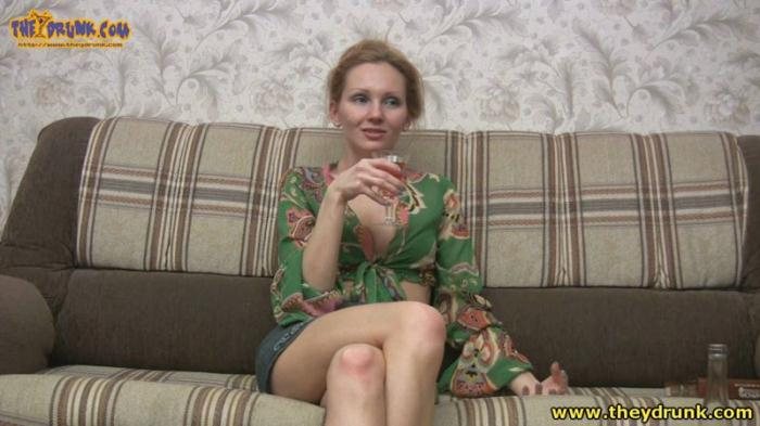 Russian skinny blonde drunk, undressed and pee in the bathroom HD 720p