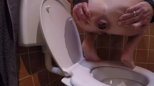 Scat Porn: Old school Kloschiss - Solo in Toilet (FullHD/1080p/59.3 MB) 23.11.2016