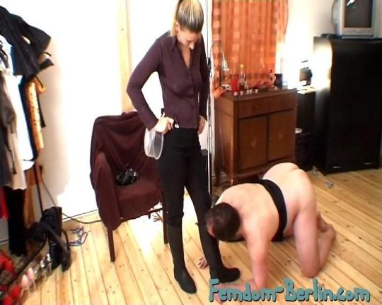 Femdom-Berlin: Riding Time - Part 2 (SD/576p/285 MB) 18.11.2016