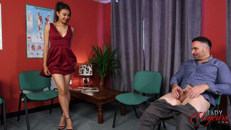 LadyVoyeurs: Tulisa James - Waiting Room [FullHD] (551 MB)