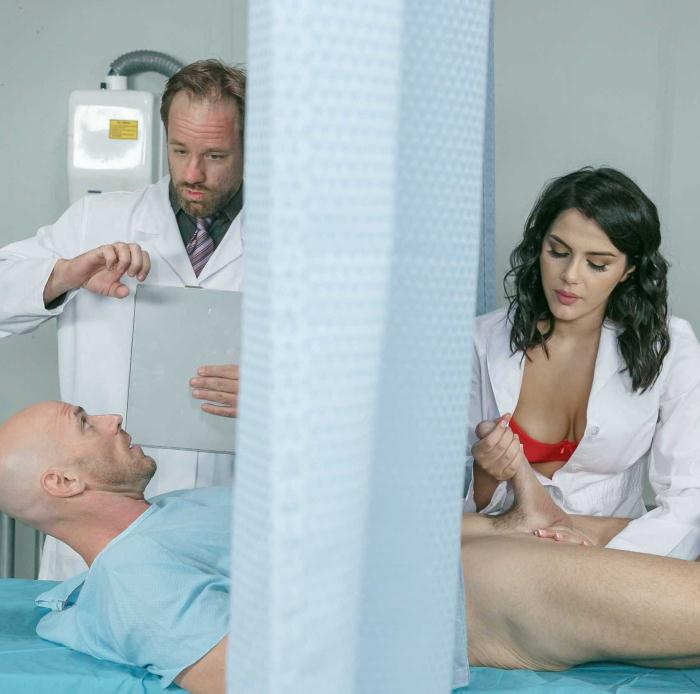 DoctorAdventures/Brazzers - Valentina Nappi - A Nurse Has Needs [HD 720p]