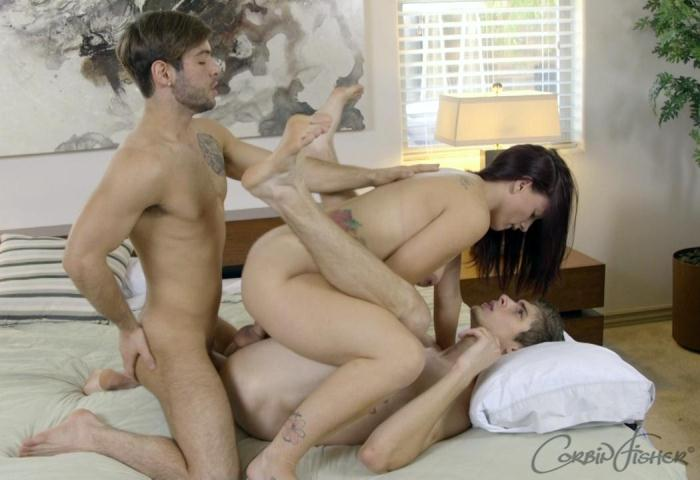 Thomas & Steven's Bi Three Way (C0rb1nF1sh3r) HD 720p