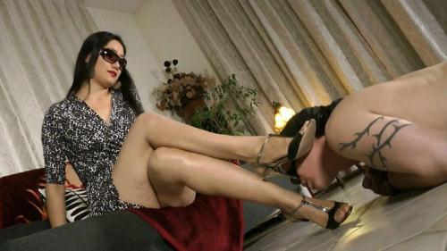 [Goddess Leyla - Tongue For My Feet And Toes] FullHD, 1080p