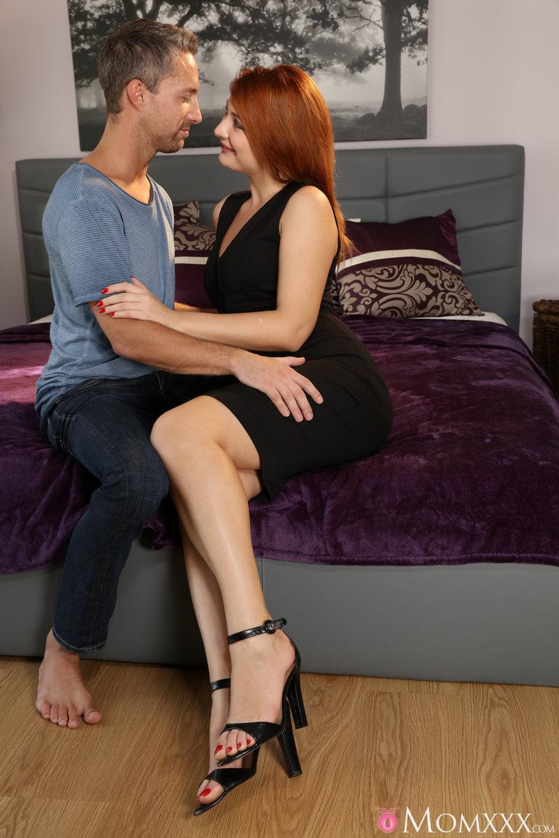 M0mXXX.com: Eva Berger - Russian redhead craves a deep fuck [SD] (292 MB)