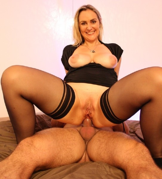 Fabrice Triple X, Kaylee - Cum spread over French MILF blondie's big tits after amateur fuck [LaNovice | 1080p]