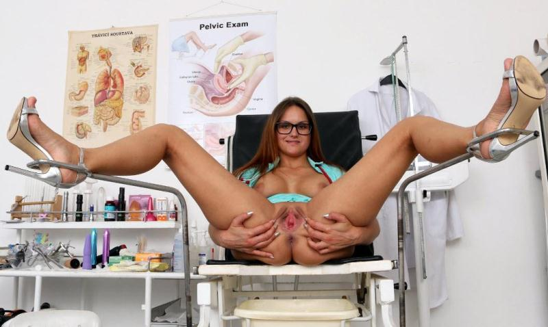 ExposedNurses.com: Barbara Bieber - 24 years girls [HD] (698 MB)