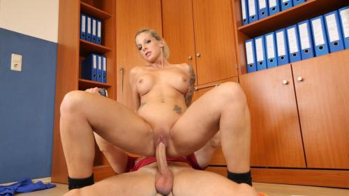 BumsBuero.com / P0rnD03Pr3m1um.com [Samy Fox - Cum on tits for blonde German sports instructor after sex with client] SD, 480p