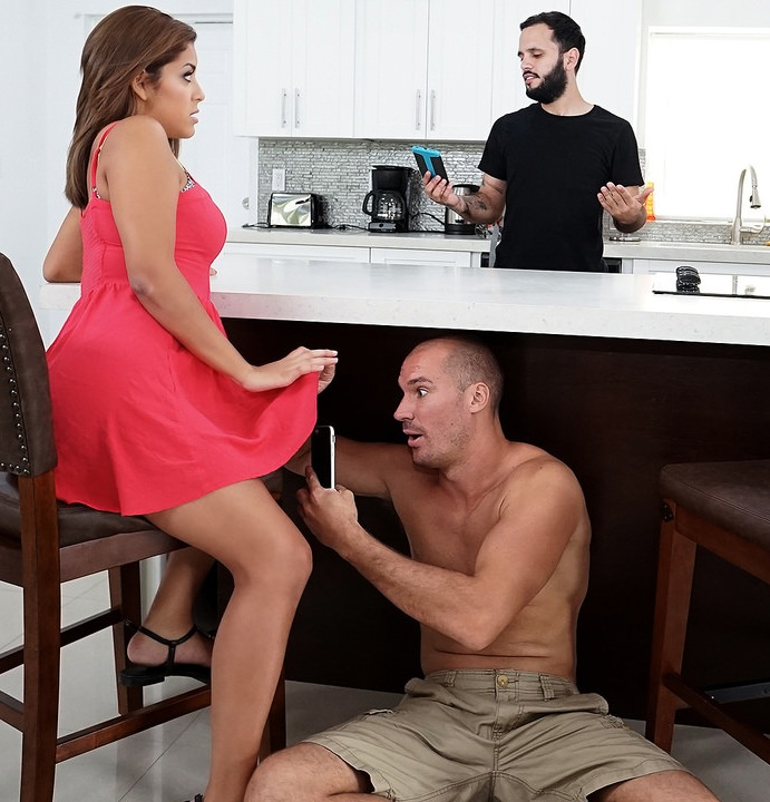 LatinaSexTapes/Mofos: Mia Martinez - Natural Boobs on Cheating GF  [SD 480p]  (Big Tits)