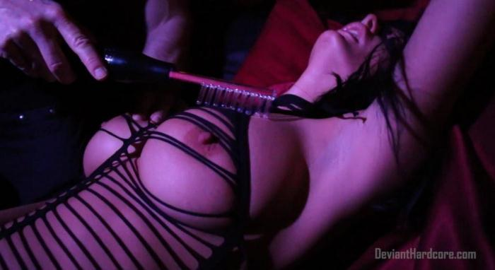Alektra Blue Electro Play Sex Fantasy [DeviantHardcore] 1080p