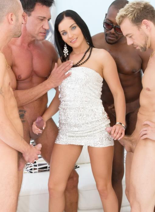 LegalPorno - Lucia Denvile - Lucia Denvile made her boyfriend watch how she fucks with 4 guys SZ1478 [HD 720p]