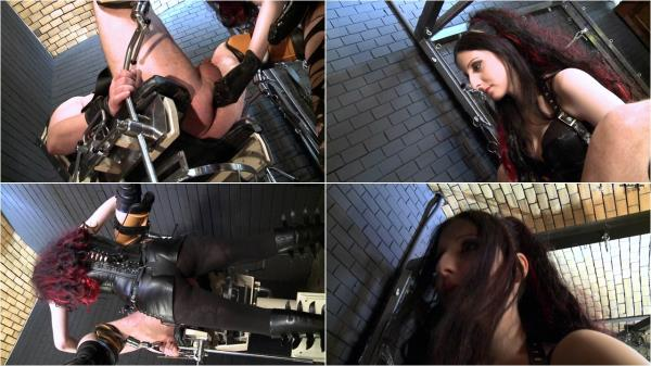 Lady Alshari and her clinic slaves: 720p