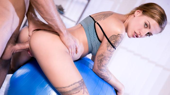 Private  - Silvia Dellai  [From Yoga to Anal With the Flexible Silvia Dellai] (FullHD 1080p)