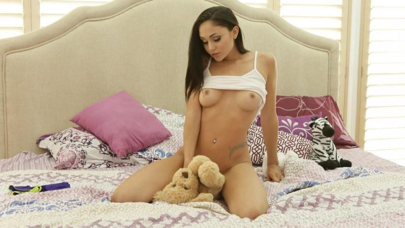 StepSiblingsCaught.com / NubilesNetwork.com: Ariana Marie - Playtime [SD] (323 MB)
