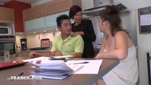 Caro, Pauline - Caro, maman salope, se fait un plan cul bien trash! NEW!!! 19-12-2016 (LaFranceaPoil) [HD 720p]