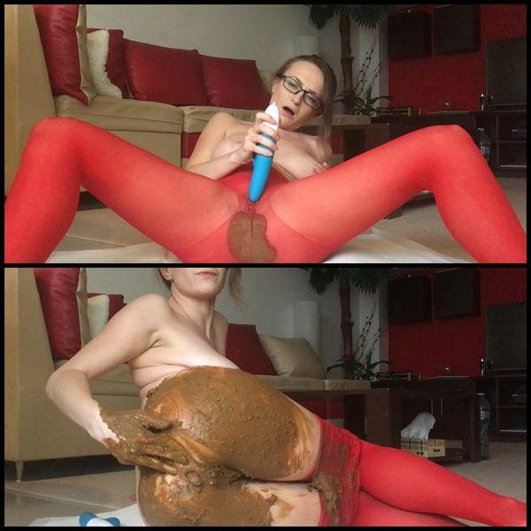 """NEW""(30.11.2016) Red pantyhose got pooped [FullHD 1080p]"