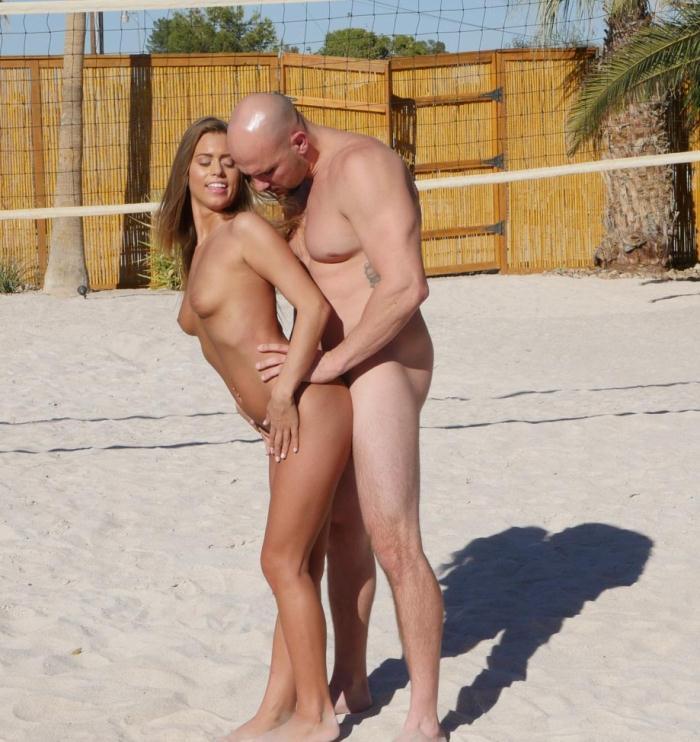 Tiny4k: Jill Kassidy - Sand Sun and Buns  [HD 720p]  (Interracial)