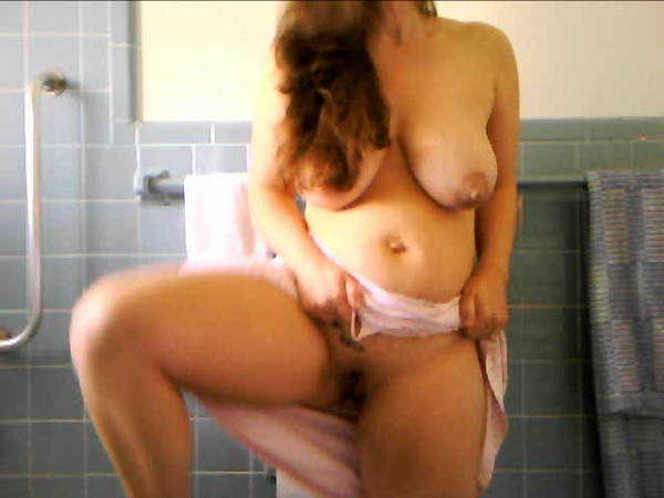 Kristen Cameron - Preggo MILF having Labor Pains Brushing Hair (Clips4sale) SD 480p