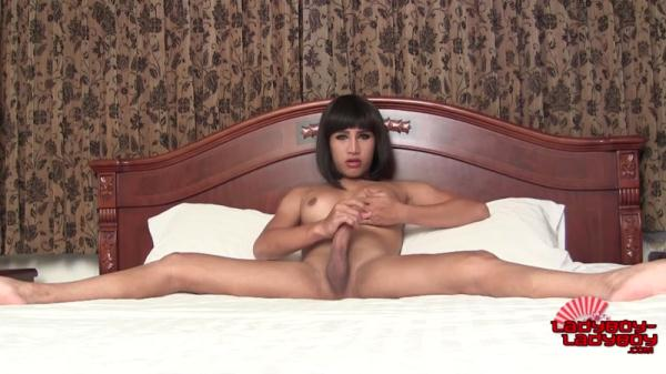 Naughty Emmy Cums For You! [HD 720p]