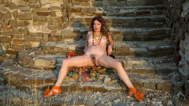 Anilos: Helena Volga - Amateur Outdoor (FullHD/2016)