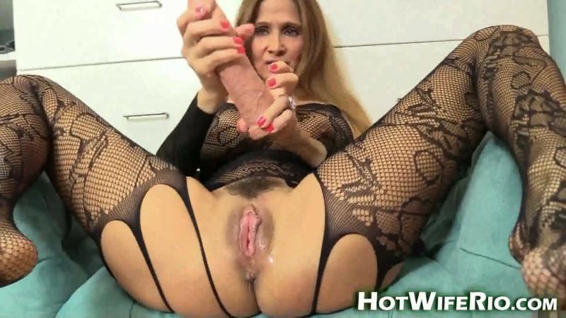 Hot Wife Rio - Lingerie MILF Tease [FullHD 1080p]