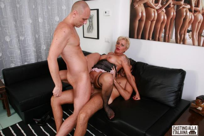 Porndoepremium: Shadow - Wild mature Italian swinger gets DP in hardcore FFM threesome (FullHD/2016)