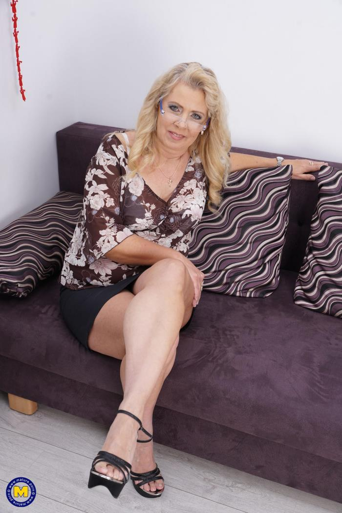 Mature.nl: Elize K. (55) - Fresh mature lady fingering herself (2016/FullHD)