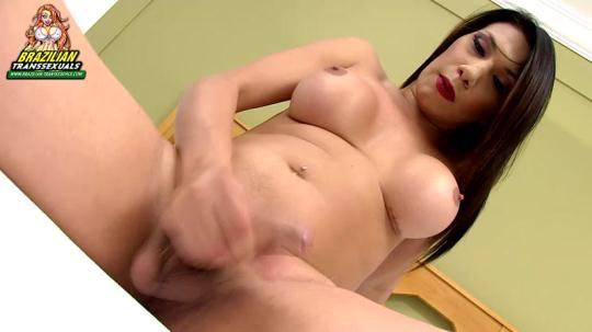 Brazilian-Transsexuals: Gabriielly Soares (HD/720p/437 MB) 15.12.2016