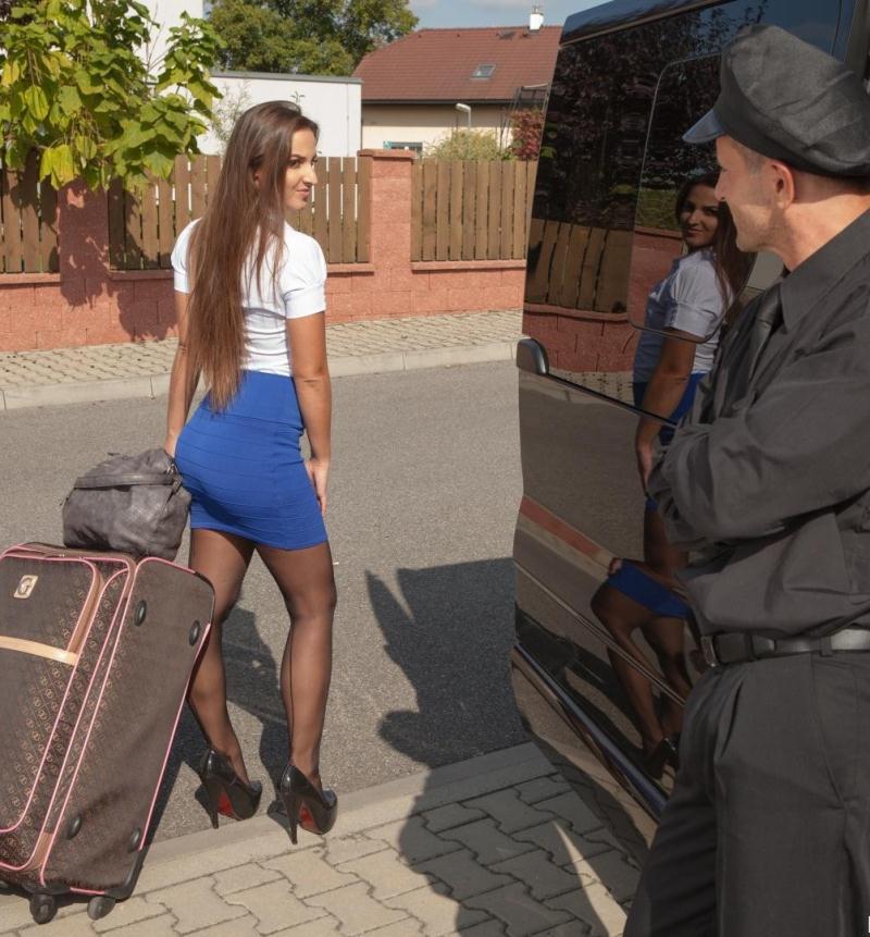 FuckedInTraffic/PornDoePremium - Amirah Adara [Hungarian teen beauty Amirah Adara rides cabbie George Uhl in the backseat] (HD 720p)