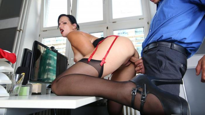 BumsBuero: Sina Velvet - Sexy German brunette secretary sucks dick and fucks at the office [HD 476 MB]