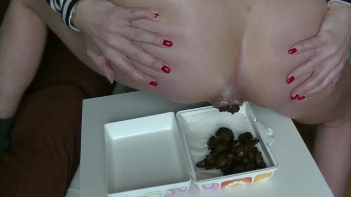 SCHEISS snack for you - Solo Scat (Scat Porn) FullHD 1080p