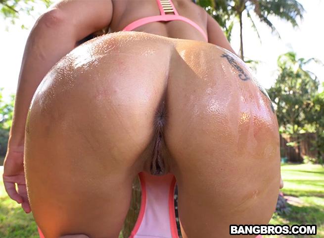 AssParade/BangBros: Victoria Banxxx - Victoria Banxxx and her 40+ inch ass  [SD 480p]