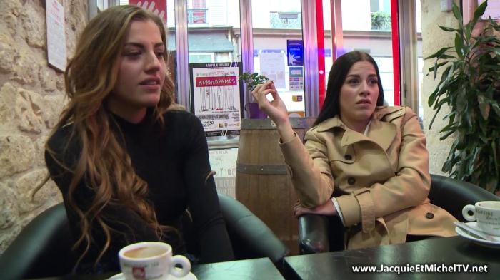 Indecentes-Voisines: Dellai Twins - Nous sommes deux soeurs jumelles! [HD 808 MB]
