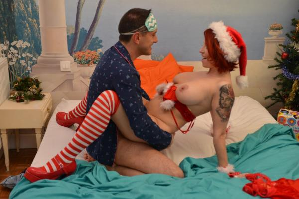 Julie Valmont Hot Christmas cosplay fuck and cum on tits with busty redhead French babe [Porndoepremium 1080p]