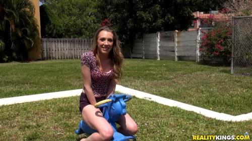 StreetBlowjobs/RealityKings: Roxy Nicole - Foxy roxy  [SD 432p]
