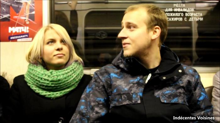 Indecentes-Voisines - Amateurs - Une sextape envoyee par un couple de fan etranger et filme par leur voisin! [FullHD 1080p]