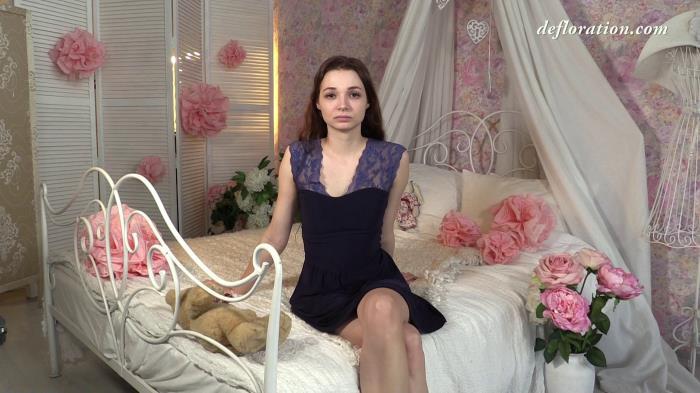 Alesya Razorvalo - Solo [FullHD 1080p] Defloration.com