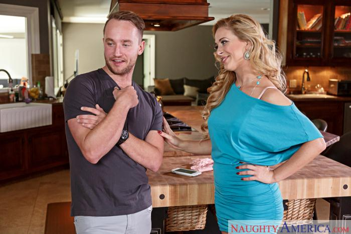 SeducedByACougar: Cherie DeVille - Seduced By A Cougar [SD 272 MB]